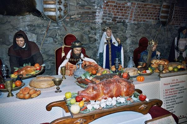 средневековый банкет