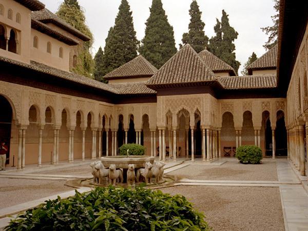 дворец Аламбра