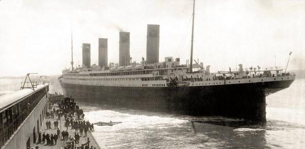 Титанік в порту
