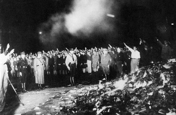 спалювання книг у Німеччині