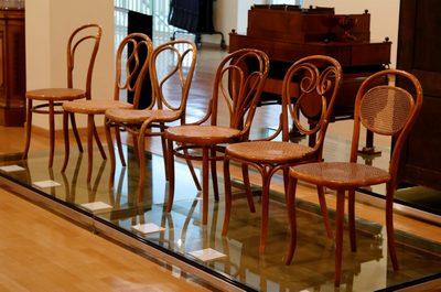 История стульев
