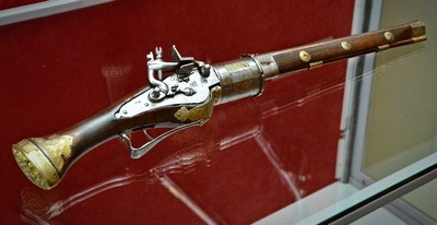 история пистолетов