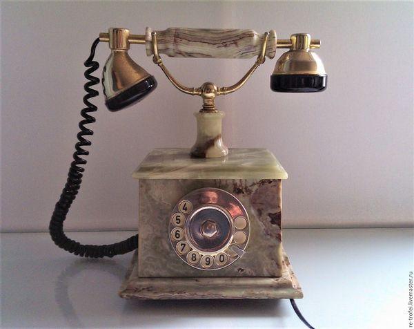 старовинний телефон