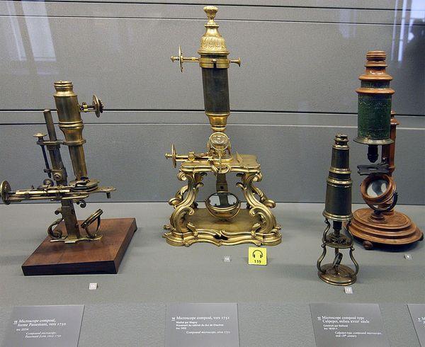 первые микроскопы