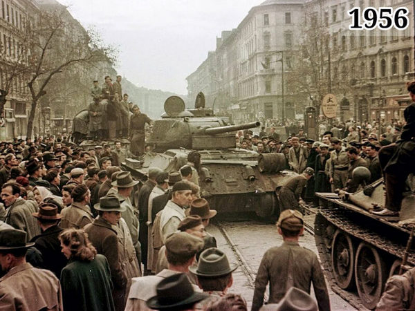 советские танки на улицах Будапешта